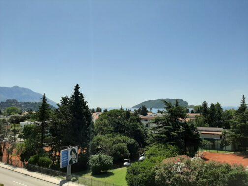 Вид из окна наших апартаментов