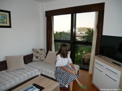 Гостиная в наших апартаментах в Будве